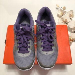 Nike Revolution Women's Sneakers Shoes Size 7